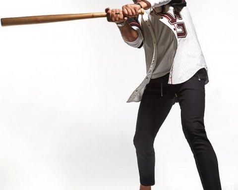 Бейсбол замість боксу: Усик знявся в незвичайній фотосесії