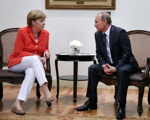 Меркель предложила Путину ввести войска на Донбасс, Кремль задумался