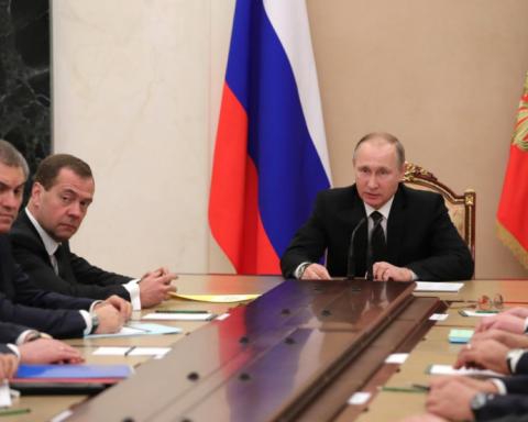 У Путіна зібрали термінові збори для вирішення долі Донбасу
