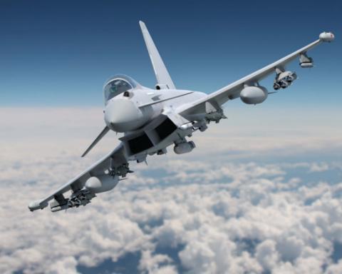 Британские истребители перехватили российские самолеты над Черным морем