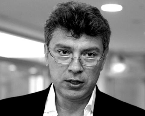 Литовці відкрили сквер імені Немцова перед посольством Росії