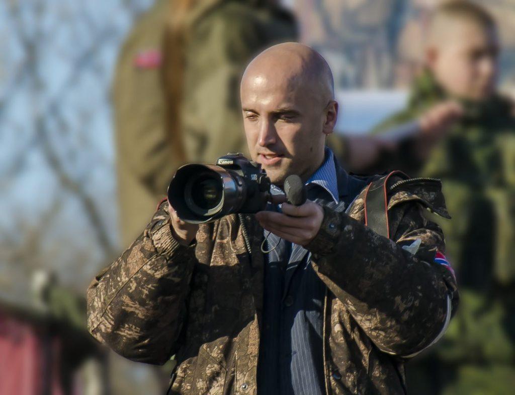 Появилось видео провокации пропагандиста «ДНР» против украинского посла
