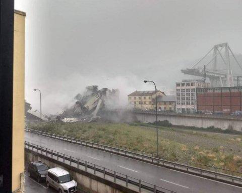 В Італії обвалився автомобільний міст, під завалами люди: в мережі опублікували відео моменту падіння