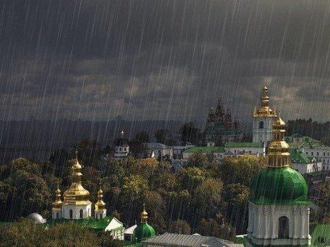 З'явилися кадри наслідків потужної зливи, що пронеслась по Києву