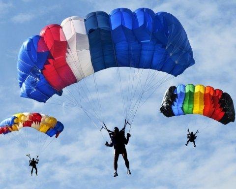Неудачно выполнил трюк: в России разбился парашютист