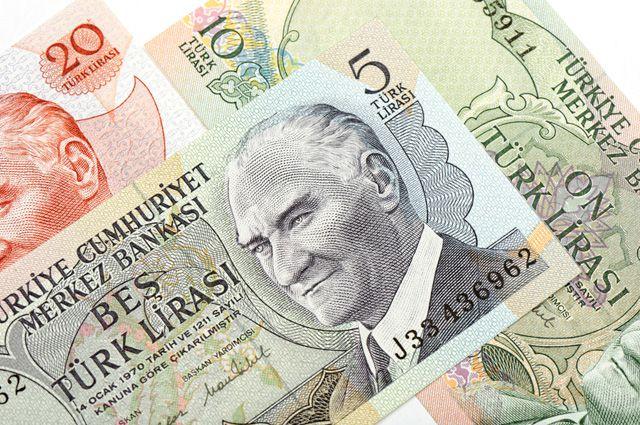 Обвал турецкой валюты спровоцировал падение «черного золота»