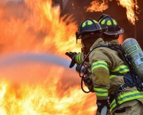 Двоє українців загинули у смертельній пожежі у Дніпрі