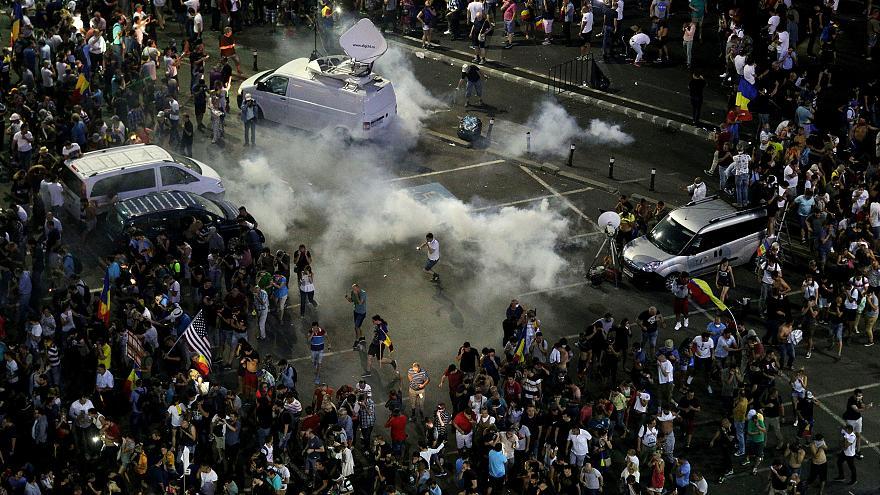 В Румынии вспыхнули массовые антиправительственные протесты, на улицы вышли десятки тысяч людей