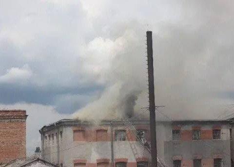 В Виннице загорелась тюрьма: людей эвакуировали