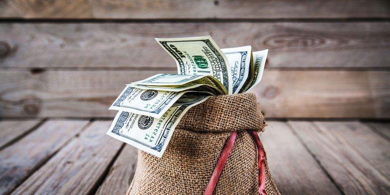 Стало известно, сколько денег украинцы положили на депозиты в банках
