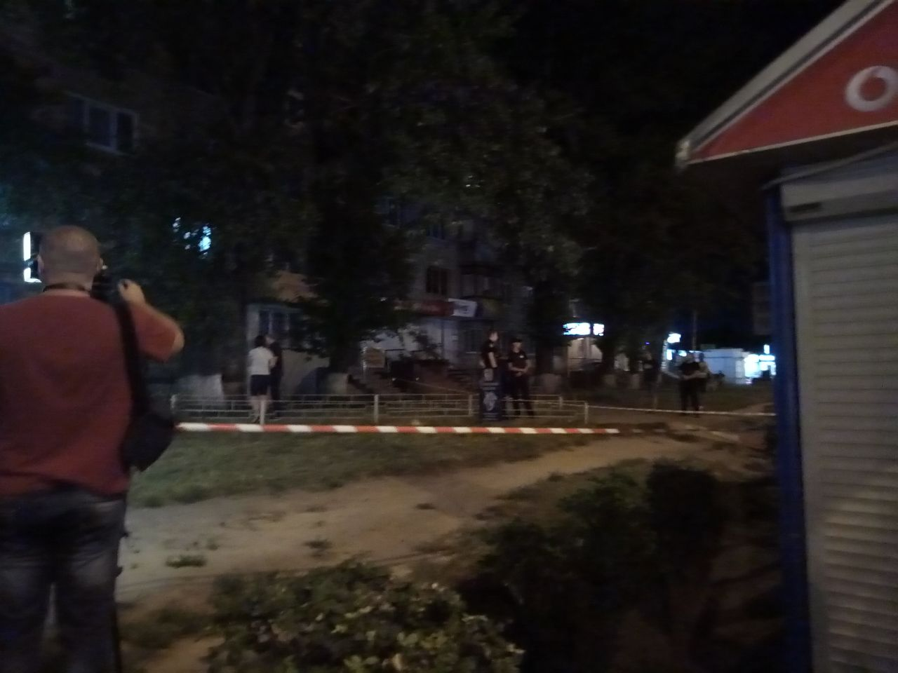 У Києві троє чоловіків пограбували ломбард і застрелили охоронця: ексклюзивні фото