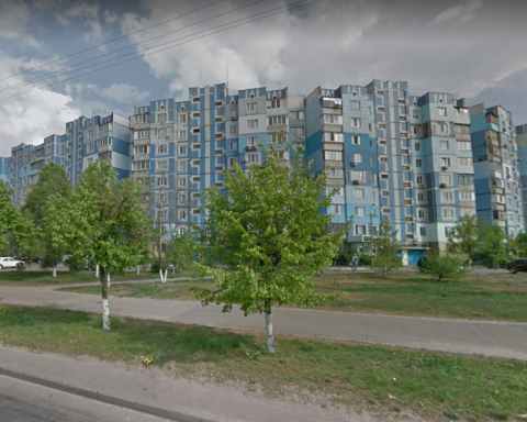 Підліток випав з вікна висотки у Києві: врятувати не вдалося