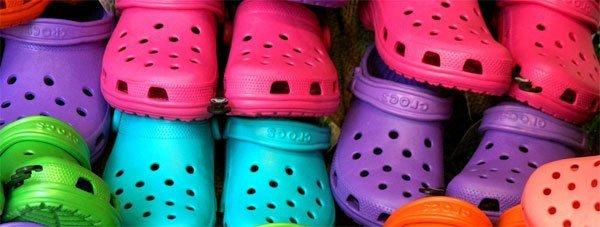 Производитель самой гадкой обуви в мире массово закрывает магазины и фабрики
