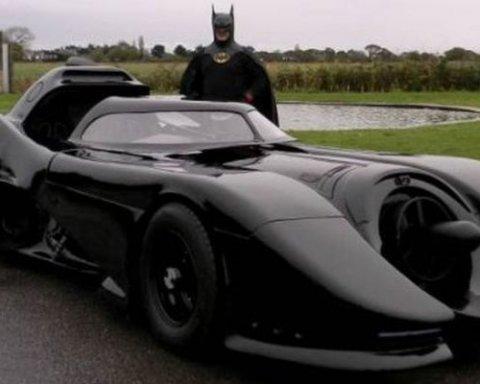 Буде слідкувати за порядком: у Києві помітили автомобіль Бетмена