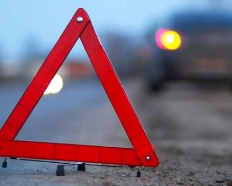 Під Києвом автівка на шматки розірвала пішохода: моторошні фото та відео