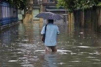 Повені в Індії: понад 300 людей загинули, сотні тисяч залишились без житла