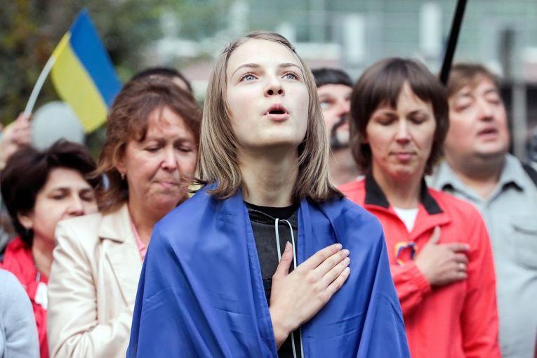 Помічниця депутата запропонувала змінити текст Гімну України
