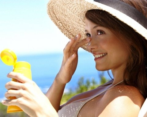 Нереальная жара: Супрун рассказала, как «не сгореть» на солнце