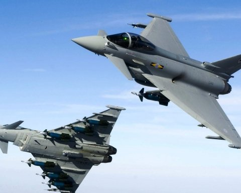 Британці перехопили російські бомбардувальники над Чорним морем