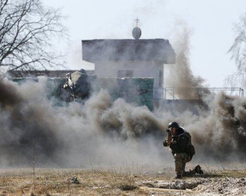 Оккупанты обстреляли жилые кварталы поселка Южный на Донбассе