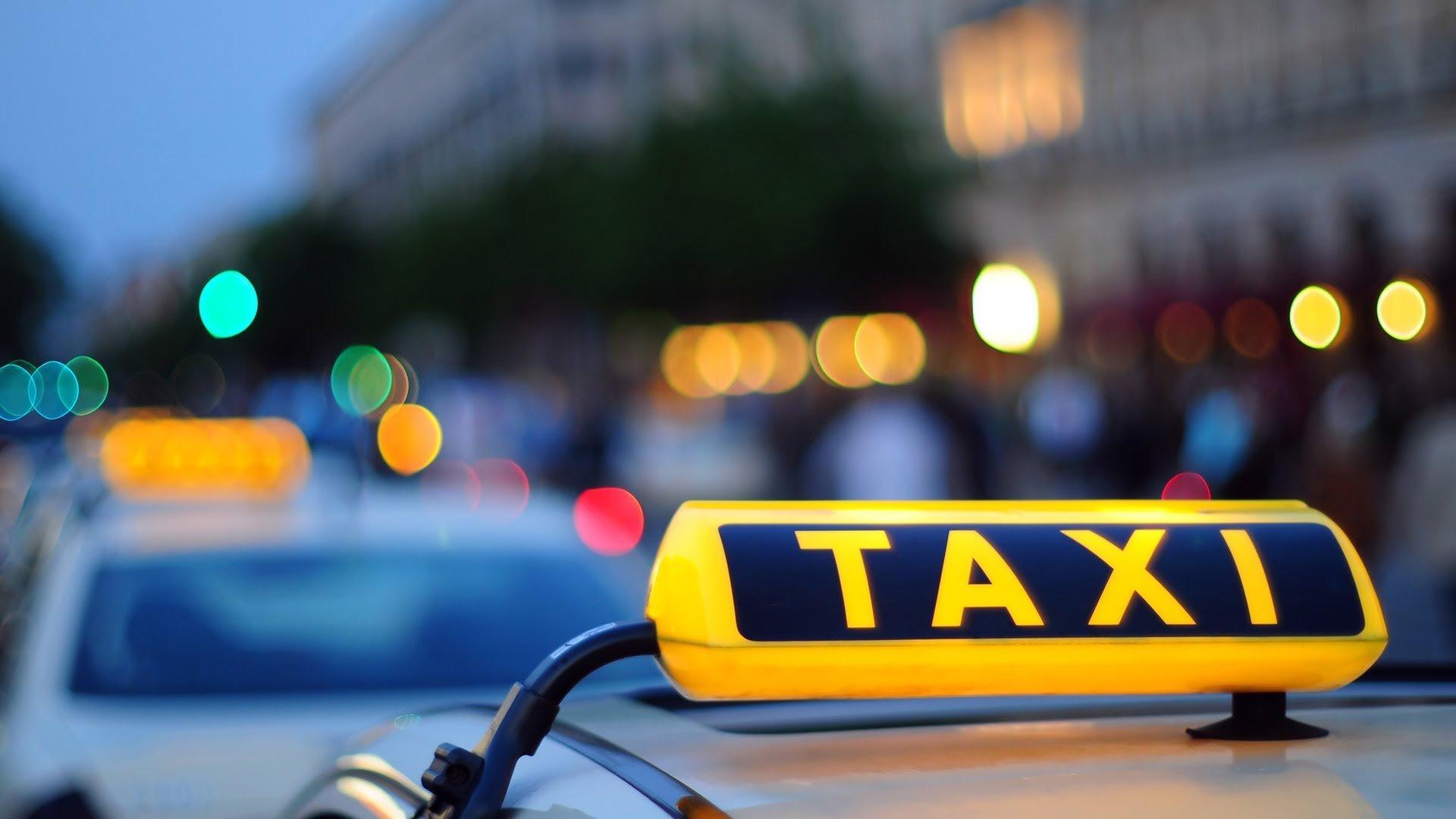 """У Києві таксист """"під кайфом"""" відправив пасажира на той світ"""