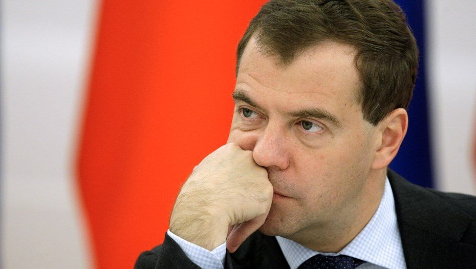"""Дуже смішно: Медведєв розкрив дату """"відставки"""" Путіна"""