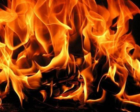 У Києві сталася пожежа у фармацевтичній компанії