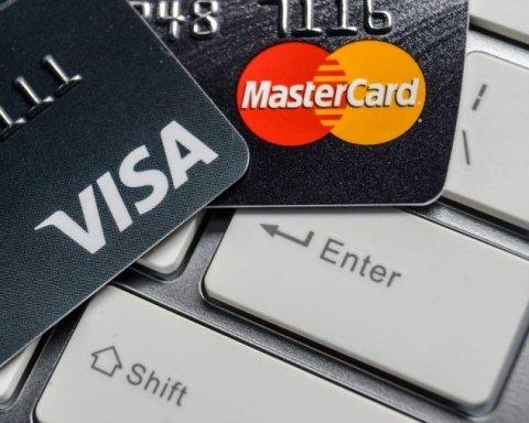 """Анексований Крим """"відрізали"""" від платіжних систем Visa і Mastercard"""