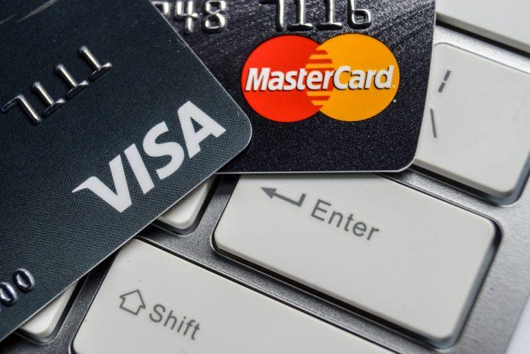 Аннексированный Крым «отрезали» от платежных систем Visa и Mastercard
