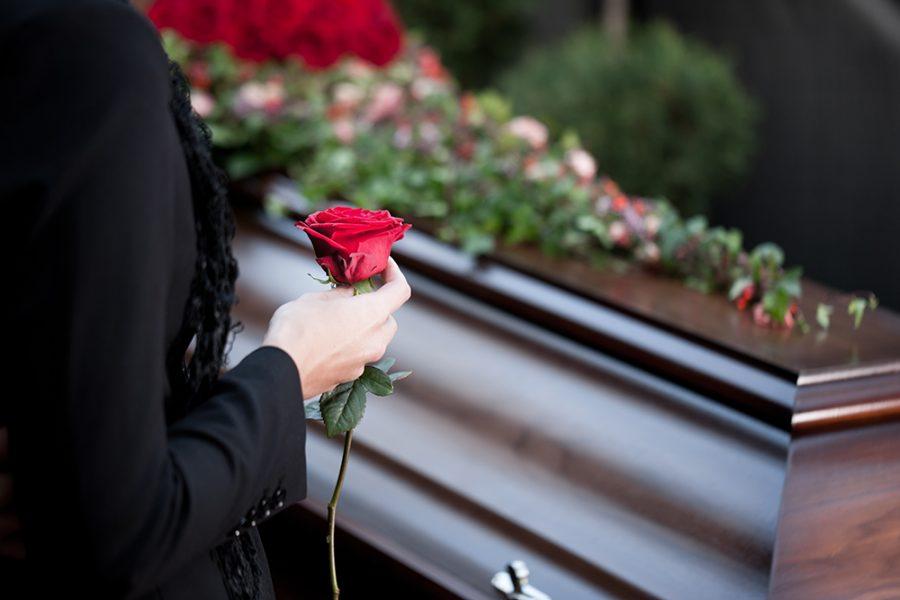 Жестокое убийство 16-летней школьницы: появились фото с похорон