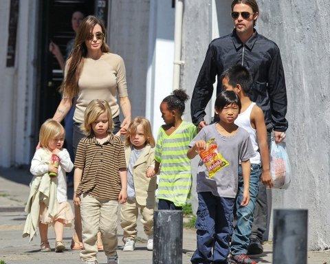 Шестерых мало: Джоли и Питт хотят усыновить еще одного ребенка