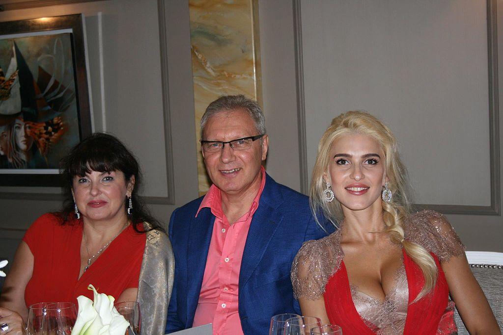 Власник АТБ «придбав» свою доньку за півмільйона доларів: подробиці