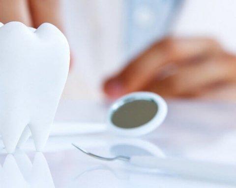 Женщина умерла в кресле стоматолога в Киеве: что стало причиной