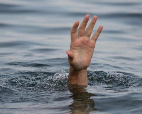Скільки українців потонуло у водоймах з початку серпня: моторошні цифри
