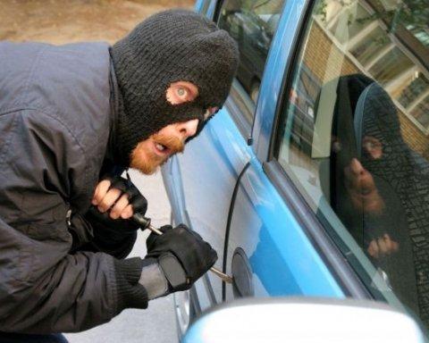 Ничего им не будет: киевляне на горячем поймали банду автоворов