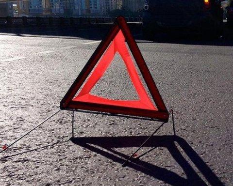 У Києві скажений водій влаштував перегони з поліцією та велику ДТП: відео моменту
