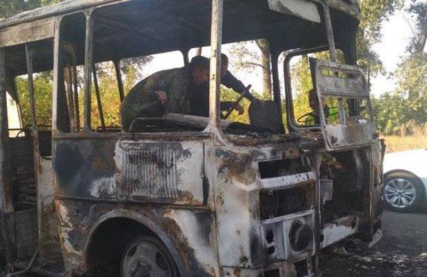 На Сумщине загорелся автобус с детьми: жуткие фото с места инцидента