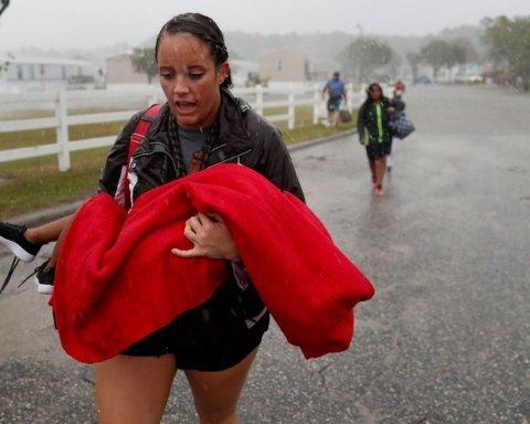 Разрушительный ураган Флоренс в США: увеличилось количество погибших