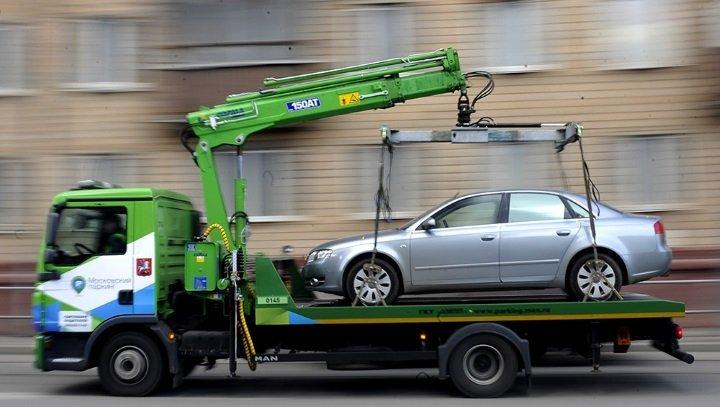 Нові правила паркування: водіям розказали, за що будуть евакуювати авто