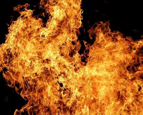 В киевском бизнес-центре вспыхнул пожар: людей не могли эвакуировать