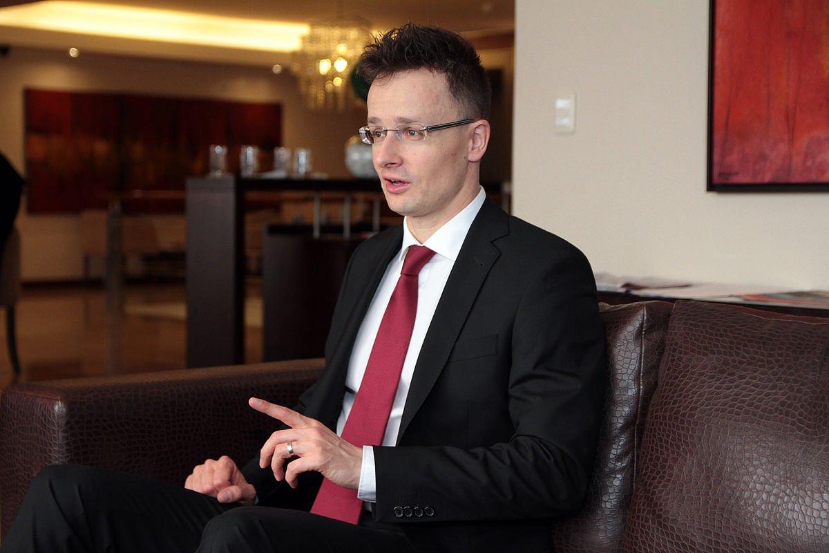 Війна на Донбасі та санкції: сусідка України зробила тривожну заяву