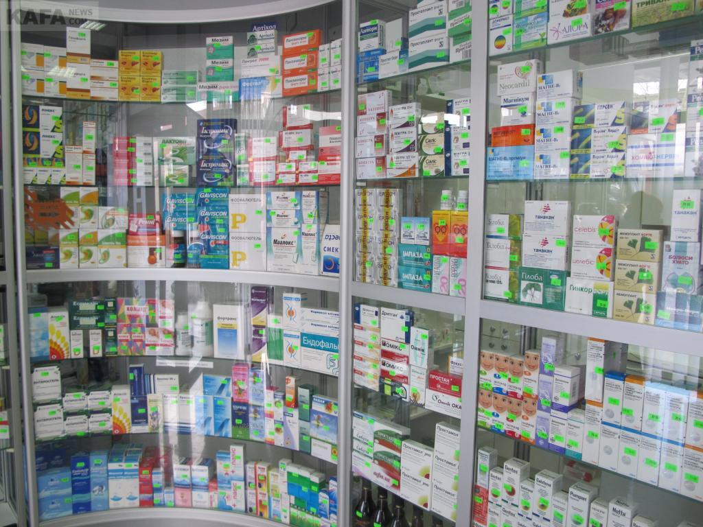 В аптеках запретили продавать спирт и настойки
