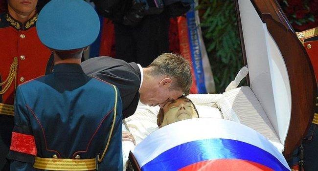 «Буду приезжать заденьгами». Алексей Панин захотел покинуть РФ
