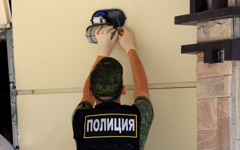 """Знайшли слід закордонних спецслужб: бойовики """"ДНР"""" затримали підозрюваного у вбивстві Захарченка"""