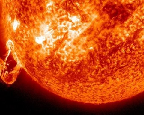 Такого еще не было: ученые заявили об «атаке» мощнейшей магнитной бури
