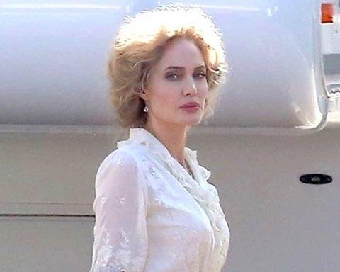 Казкова білявка: нові фото Анджеліни Джолі здивували її шанувальників