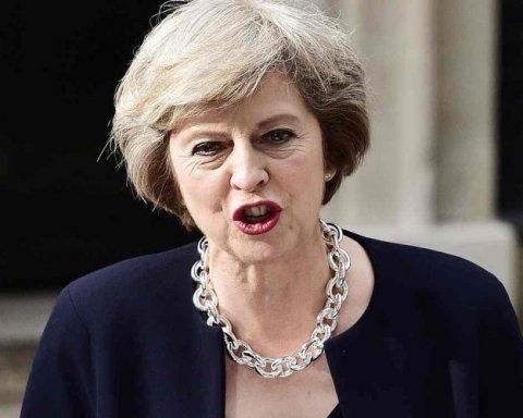 Британцы решили наказать Терезу Мэй за Brexit