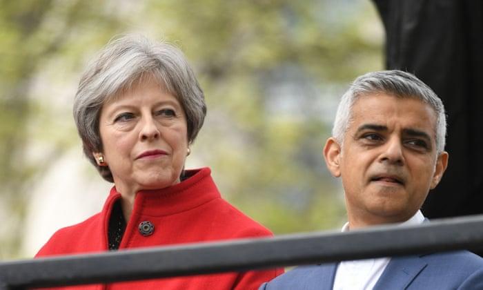 План Мэй провалился: в Британии хотят провести повторный референдум по Brexit
