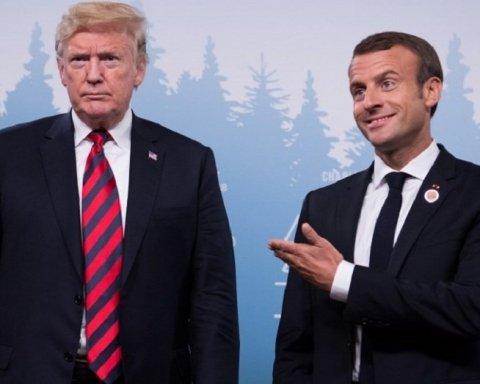 Трамп розбурхав мережу своїм фото з президентом Франції
