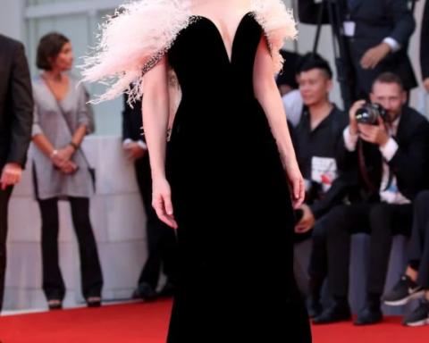 Венецианский кинофестиваль 2018: привлекательные платья мировых красавиц